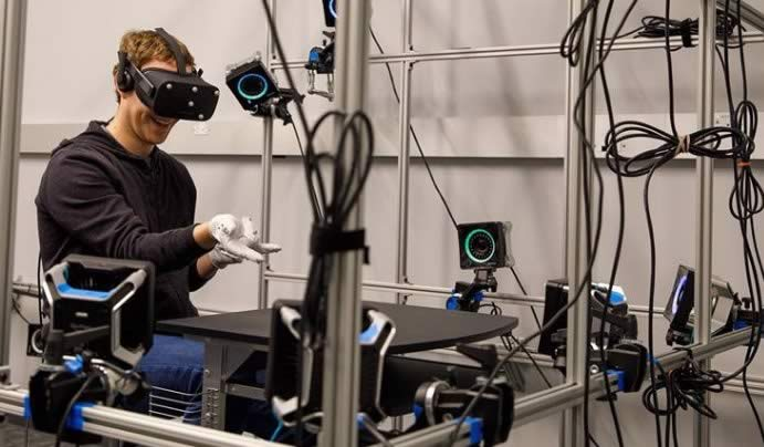 Mark Zukerberg in Oculus lab
