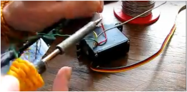 How to Make a Linear Actuator with a Servo 6